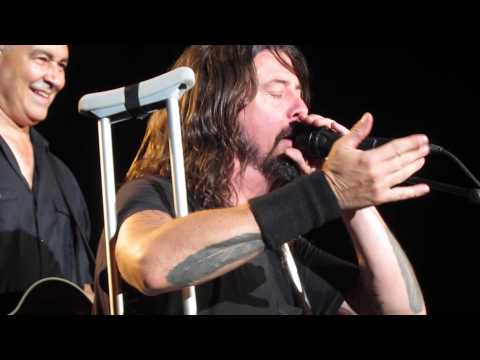 Dave Grohl = Awesome