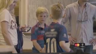Julius (9) og Even Ødergaard elsker fotball. Se overraskelsen de fikk i pauseunderholdningen mellom Vålerenga og Sarpsborg...