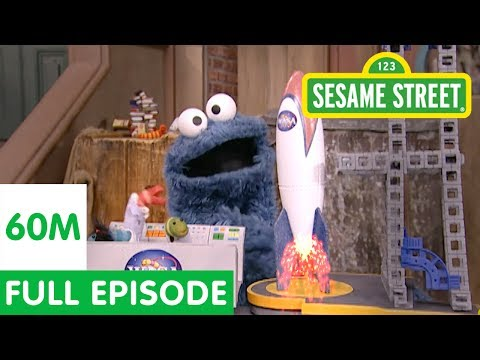 Cookie Monster Thinks the Moon is a Cookie   Full Episode