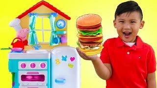 Liam Pretend Play w/ PEPPA PIG Kitchen Cooking Kid Toys & Giant ELMO
