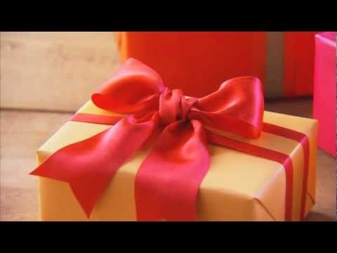 Christmas Gift Ideas – How to Make a Bow