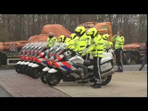 Konvooi vrachtwagens wrakstukken MH17 vertrokken bij De Lutte