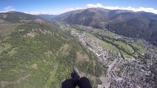 Bagneres-de-Luchon France  city images : Paragliding in Bagnères-de-Luchon, France