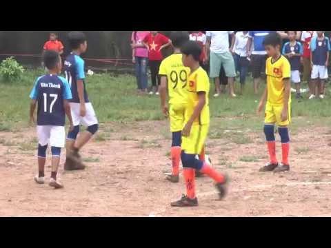 Trận chung kết bóng đá thiếu niên xã Nga My