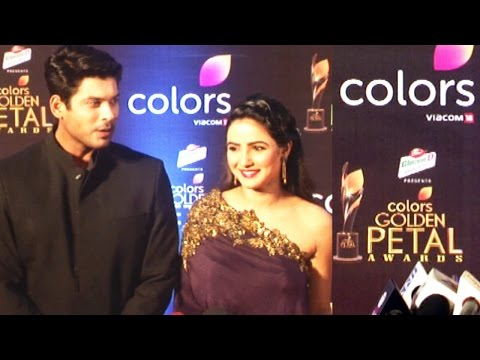 Video Siddharth Shukla With Wife At Colors Golden Petal Awards 2017 download in MP3, 3GP, MP4, WEBM, AVI, FLV January 2017