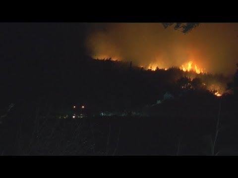 Ζάκυνθος: Μεγάλη πυρκαγιά ανάμεσα στα χωριά Έξω Χώρα και Μαριές