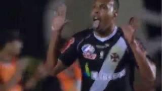 Escanteio para o Vasco cabeçada e o desvio de Alecsandro faz o quinto gol do vasco e com esse resultado o vasco avança para proxima fase
