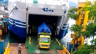 Video Kapal Laut (Penumpang) Trimas Kanaya -  Pelabuhan Merak !!! MP3, 3GP, MP4, WEBM, AVI, FLV Juni 2018