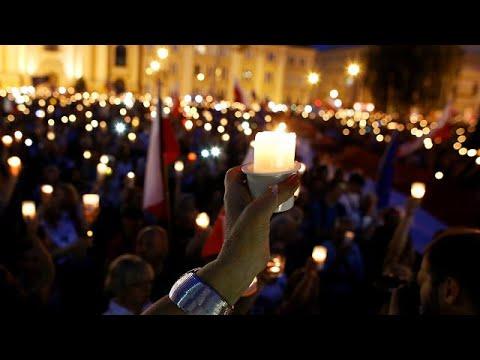 Στους δρόμους οι Πολωνοί κατά μεταρρύθμισης – πλήγμα στη διάκριση των εξουσιών