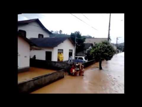 Enchente em Itarana 2013, resgate bebê de 2 meses