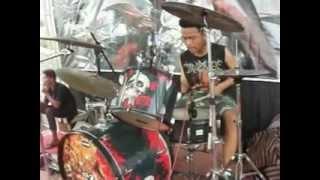 NEKTAR ( Gothic Proggresive Metal ) opening ANUETA (GOTHIC METAL) @AGENDA HITAM #1 20Mei2012.AVI
