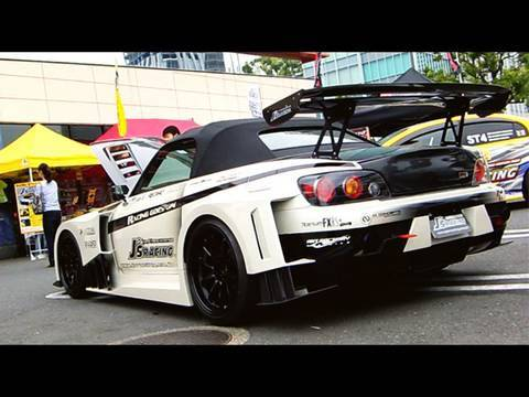 J's racing - Honda S2000 tuned by J's Racing, with Type-GT bodykit. While I think most wide bodykits makes the car look uglier, that of J's is really cool! And not only t...