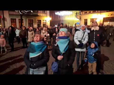Wideo1: WOŚP Światełko do Nieba w Lesznie