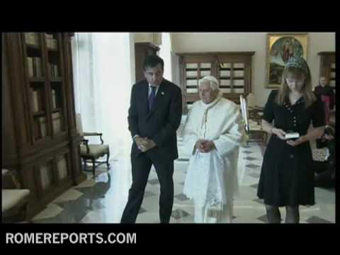 Benedicto XVI se reúne con el presidente de Georgia, Mijeíl Saakashvili.