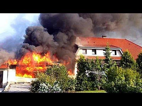 Garagenbrand greift auf Adorfer Wohnhaus über