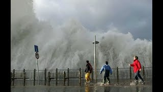 Video Top 10 Biggest Rogue Waves In Huge Storm and Tsunami MP3, 3GP, MP4, WEBM, AVI, FLV Agustus 2019