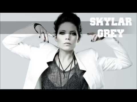 Tekst piosenki David Guetta - Rise (feat. Skylar Grey) po polsku