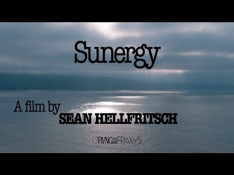 "Kaitlyn Aurelia Smith and Suzanne Ciani's ""Sunergy"" (Documentary)"