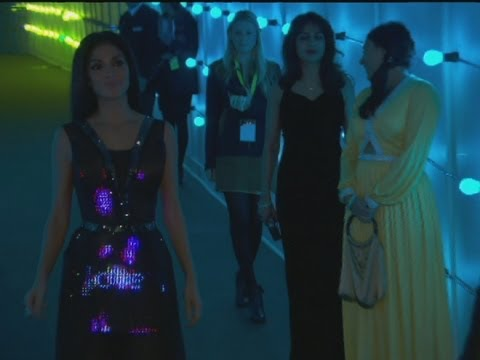 Electronic Twitter Dress!?! Imagine the Possibilities!