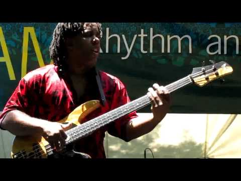 Victor Wooten & Derico Watson, Bass & Drum solos, Brooklyn, NY 6-24-10 (HD)