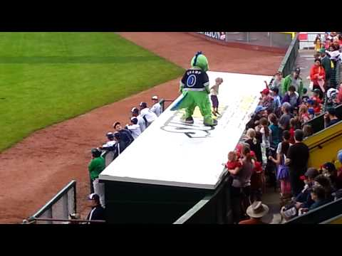 Vermont Lake Monsters Champ Dance 2