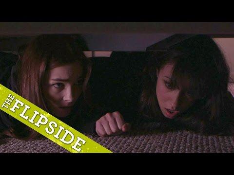 Pod postelí