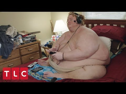 Casey Weighs Over 700 lbs and Plays Video Games All Day Naked | Family By the Ton