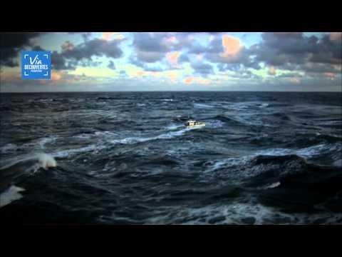 Les Cowboys de la houle : Rodéo en mer d'Iroise - The wave Cowboys : Rodeo in the Iroise Sea