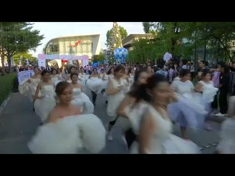 Η νύφη το σκασε (με στόχο το ταξίδι του μέλιτος)