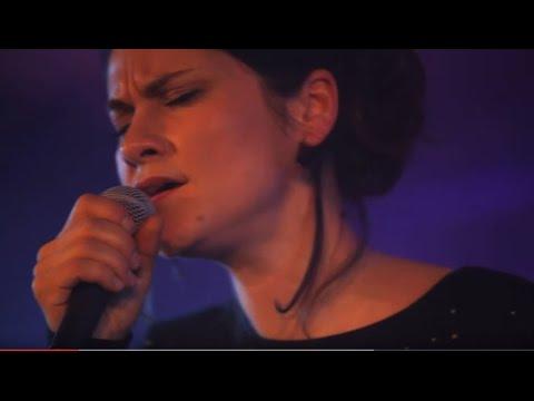 Lenka Dusilová & Baromantika - Ptáci (live)