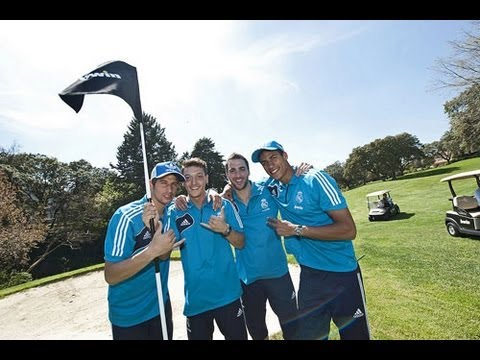Real Madrid stars show off their football skills… on the golf course!
