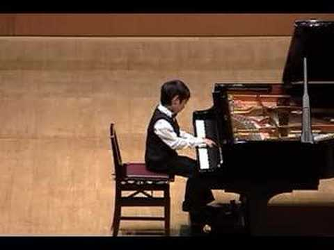 8 year old plays Chopin