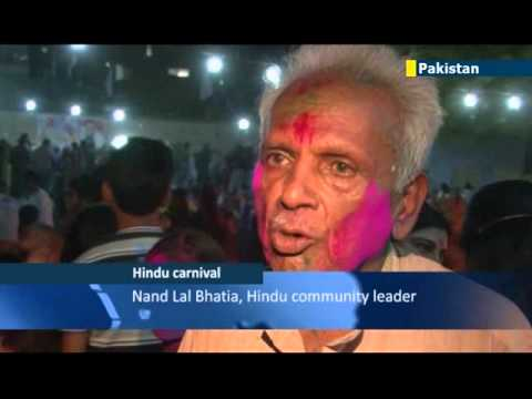 hindu festival - Pakistani Hindus have filled the streets and temples of Karachi to celebrate the Festival of Colours which marks the arrival of spring. Revelers smeared colo...