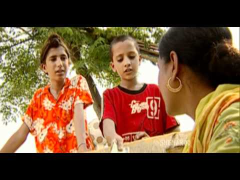 Video Must Watch Comedy Scene - Chicken Worth Rs 2500 - Family 422 - Gurchet Chittarkar download in MP3, 3GP, MP4, WEBM, AVI, FLV January 2017
