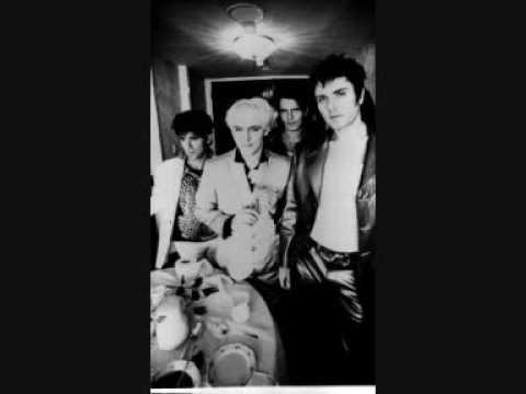 Tekst piosenki Duran Duran - Plastic Girl po polsku
