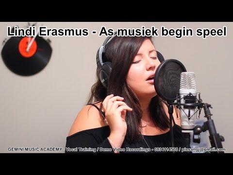 """Lindi Erasmus singing """"As musiek begin speel"""""""