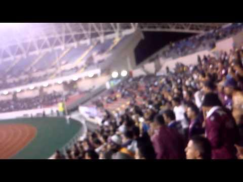 Saprissa vs Fulham Ultra Morada - Suenan los bombos..♪♫♪ - Ultra Morada - Saprissa