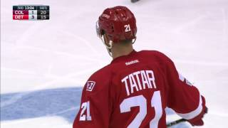 Detroit Red Wings forward Tomas Tatar gets his 19th and 20th goal of the season 1:36 apart to give his team a 3-1 lead against the Colorado Avalanche.