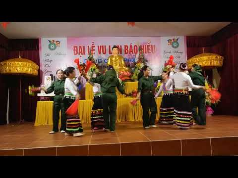 Múa sạp - Phụ nữ thôn Vân Nội