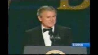 Bush jokes about 2800 US deaths