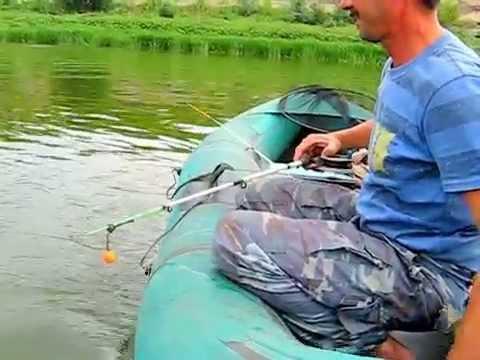 ловля на кольцо с лодки на дону