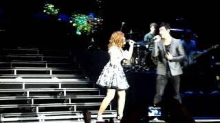 Wouldn't Change A Thing - Joe Jonas & Jullie (11.07.2010 - Rio de Janeiro)