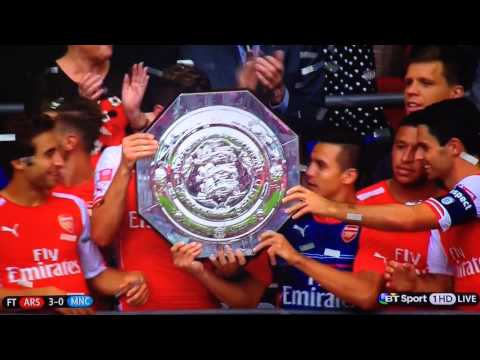 Arsenal v Man City – Community Shield Collect Trophy