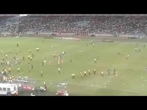 Watch kaizer chiefs fans destroy moses mabhida stadium