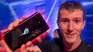 ASUS' Gaming Phone Looks AWESOME! - RoG Phone First Look