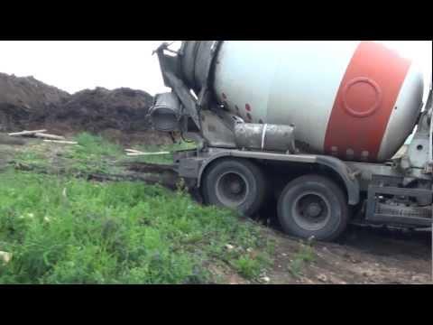Видео по строительству загородного дома, начиная с фундамента
