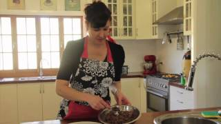 How to make rum balls (the quick and easy way!) | Stay at Home Mum