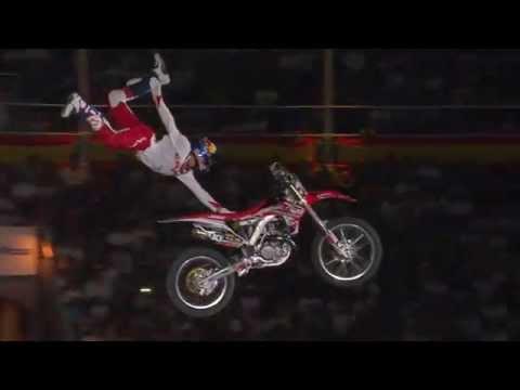 Vídeos de 'El increíble salto de Tom Pages'