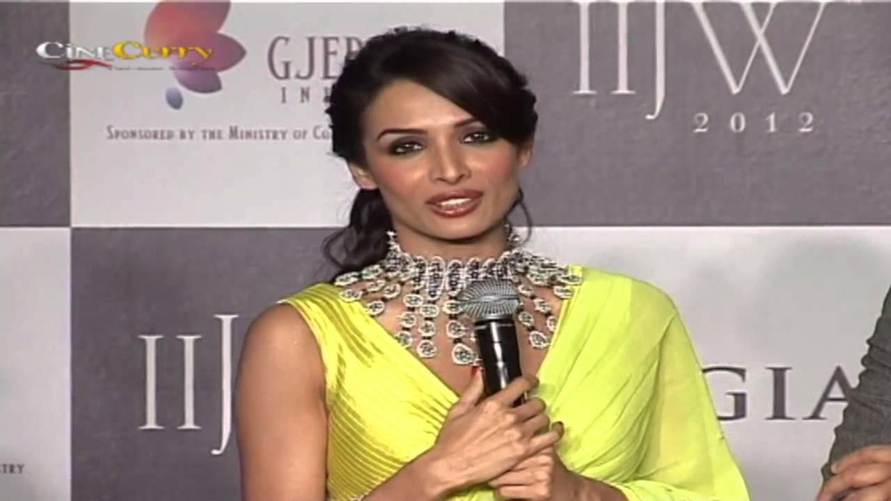 India International Jewellery Week 2012: KGK Jewellery/ Birdhichand Ghanshyamdas Fashion Show