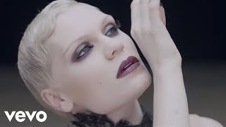 Jessie J goes for expressive dance in 'Thunder' video